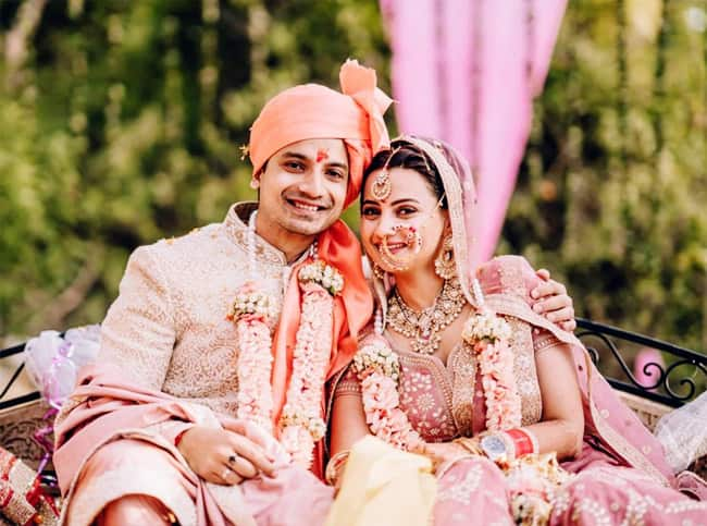 Priyanshu Painyuli  Vandana Joshi   s pictures from the ceremony have gone viral