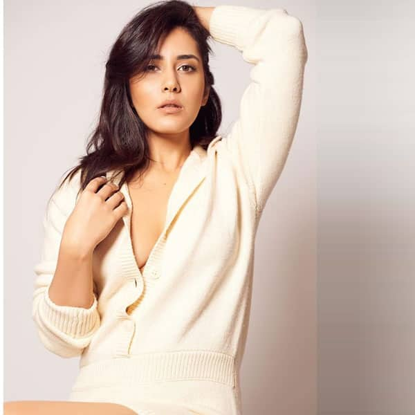 Raashi Khanna is a Look to Behold