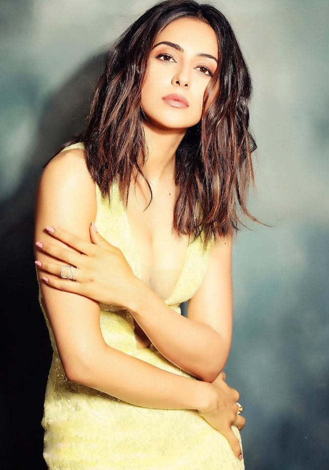 Rakul Preet Singh Asks Not to  Squeeze Into a Glass Slipper
