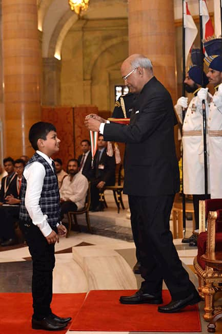Ram Nath Kovind gives away National Child Awards 2017
