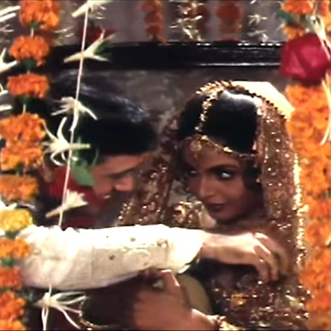 Ramya Krishnan with Govinda in Banarasi Babu