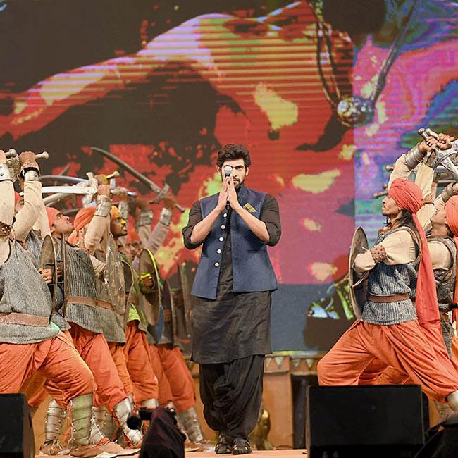 Rana Daggubati   s grand entry during Baahubali 2  The Conclusion pre release event