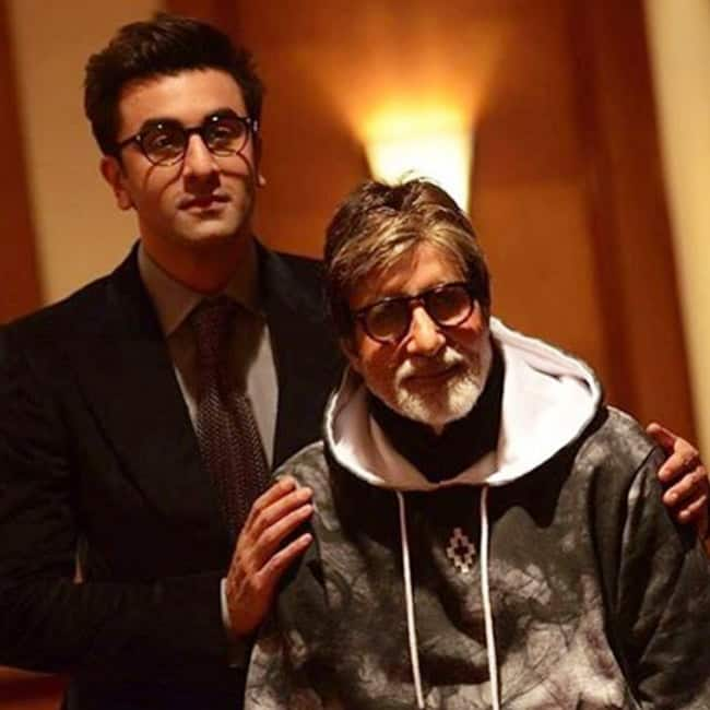 Ranbir Kapoor shares a picture with Amitabh Bachchan