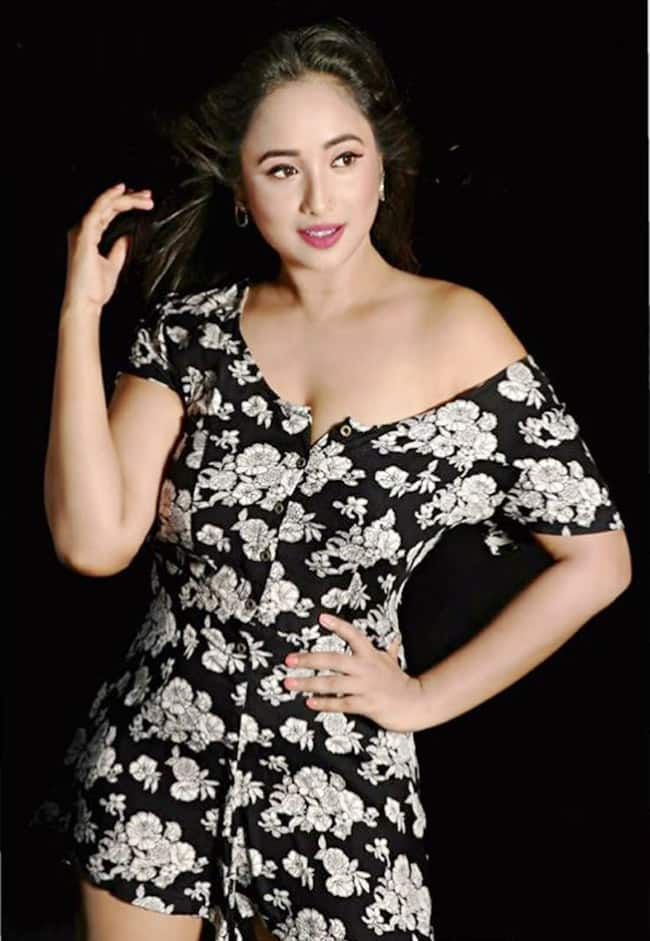 Rani Chatterjee Looks Smoking Hot as She Flaunts Her Sexy Curves in Her Latest Photoshoot