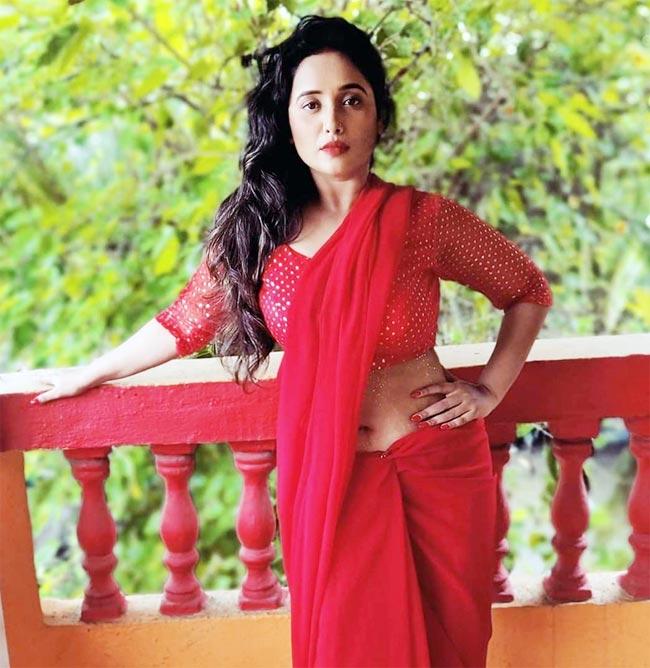Rani Chatterjee Stuns in red  Saree