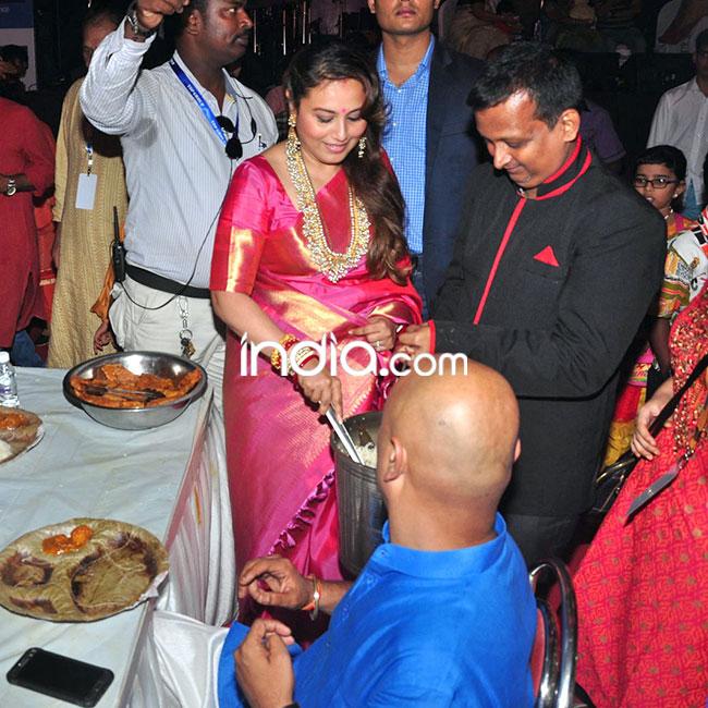 Rani Mukherji serving food to devotees at Durga Puja pandal