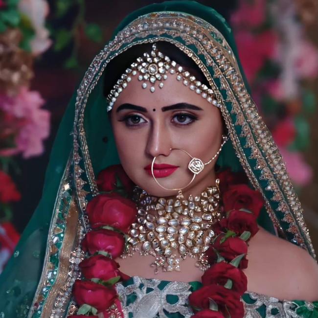 Rashami Desai as Shalaka in Naagin 4