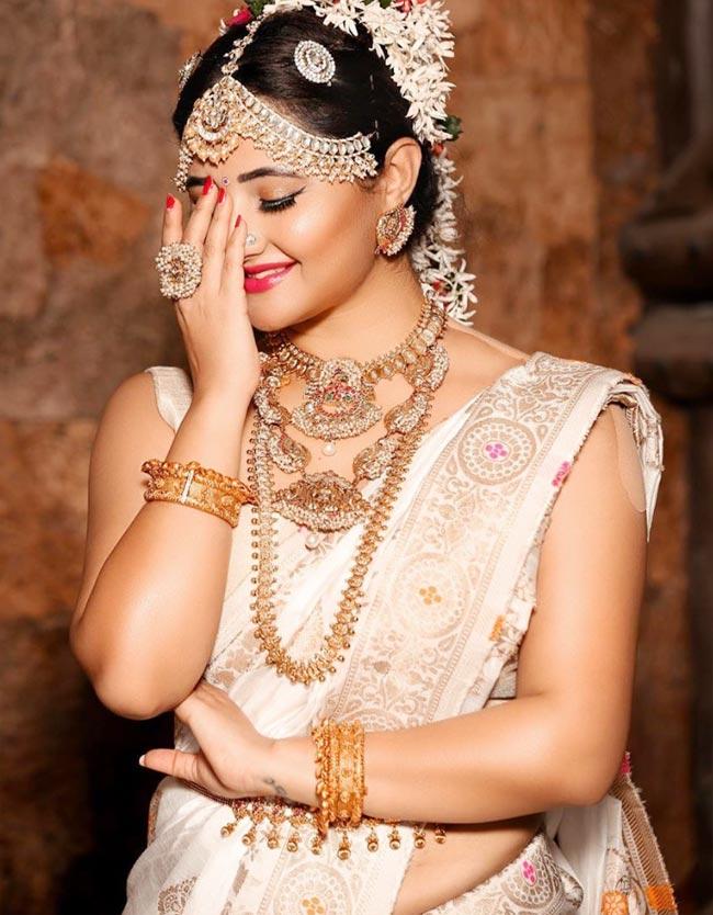Rashami Desai Gives Major Fashion Goals