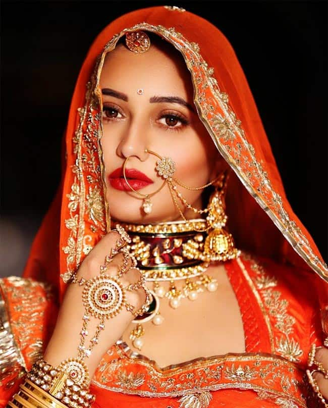 Rashami Desai looks so stunning as a Rajput bride
