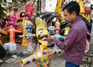 Dussehra 2019: India Prepares Different Types of Funny Ravan Effigies Which You Can't-Miss