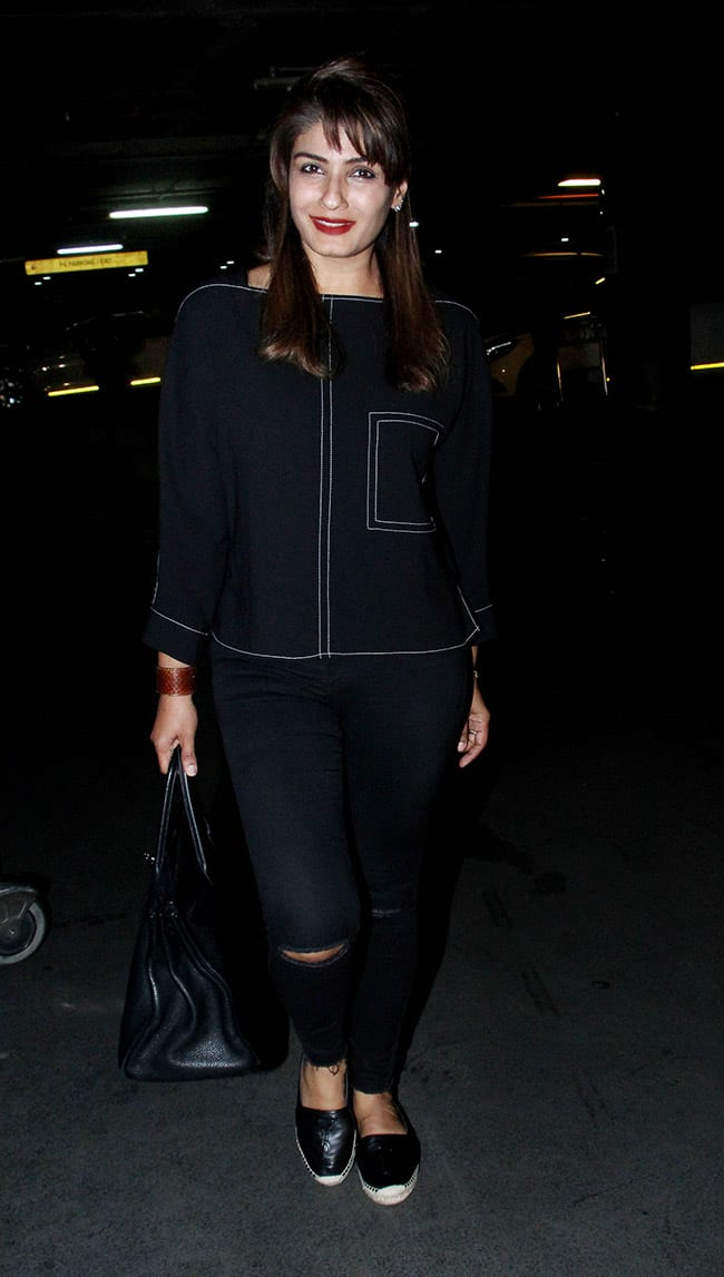Raveena Tandon was spotted at the Mumbai airport with family