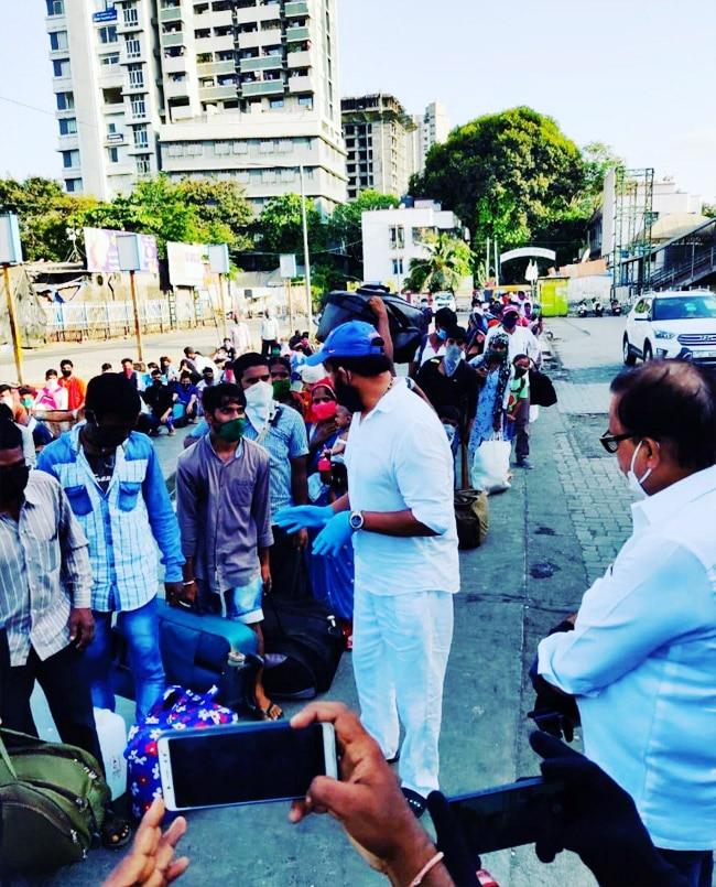 Ravi Kishan Distributes Food