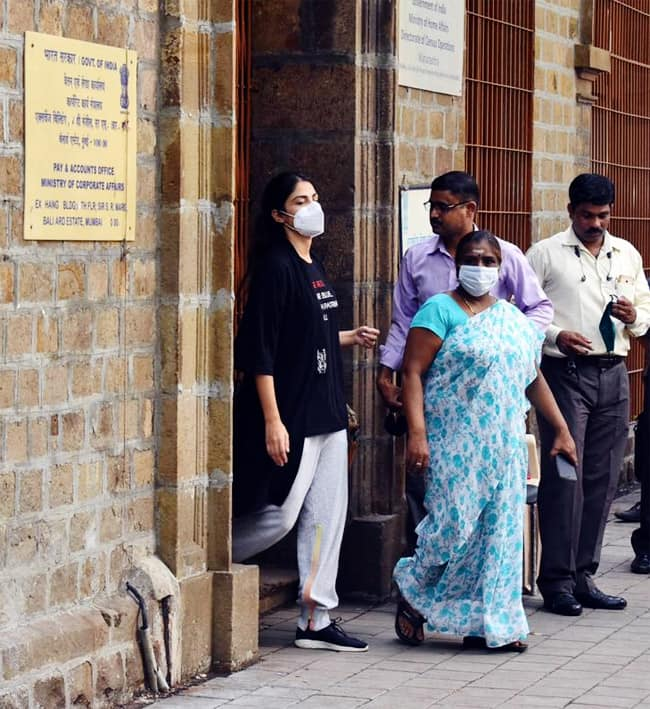 Rhea Chakraborty was brought to Byculla jail by NCB