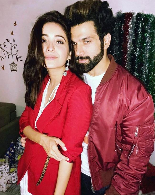 Rithvik Dhanjani and Asha Negi s romantic photo