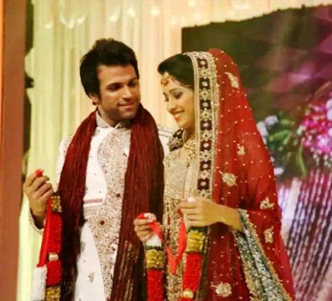 Rithvik Dhanjani and Asha Negi s wedding look