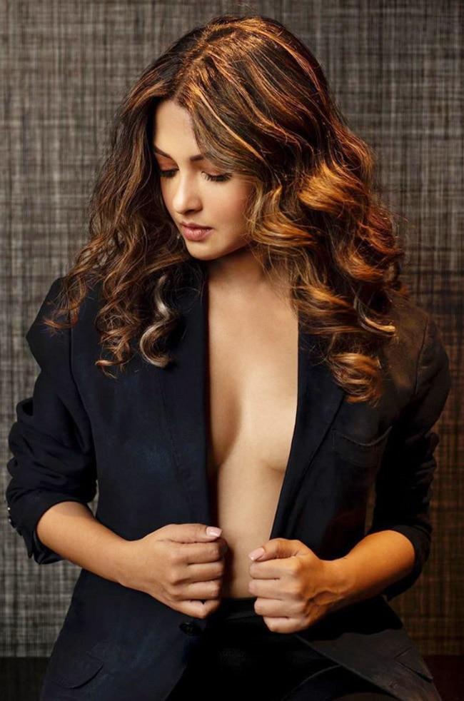 Riya Sen hot look 2020