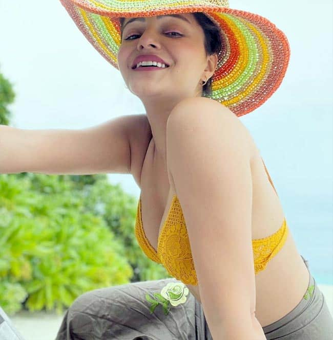 Rubina Dilaik is enjoying the sun, the sand and the sea in the Maldives