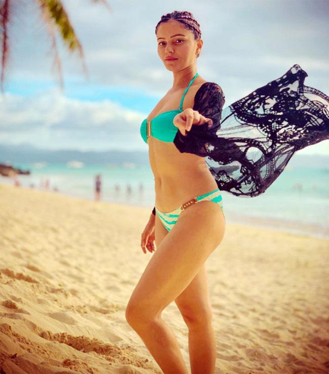 Rubina Dilaik Sets Temperature Soaring in Green Bikini - newsdezire