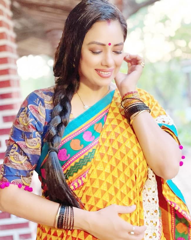 Rupali Ganguly shares new pictures from the sets of Anupamaa