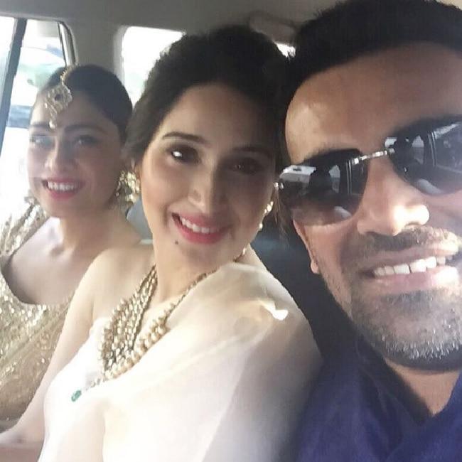 Sagarika Ghatge and Zaheer Khan on their way to Yuvraj and Hazel   s wedding