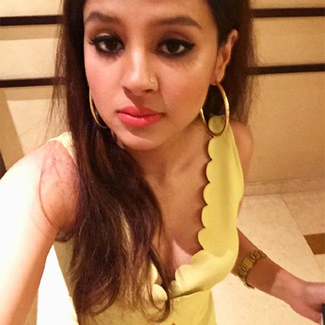 Sakshi clicks a gorgeous selfie