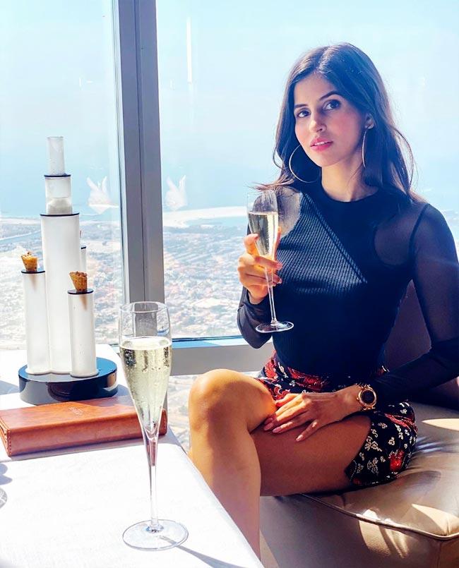 Sakshi Malik Enjoys Her Afternoon With Champagne