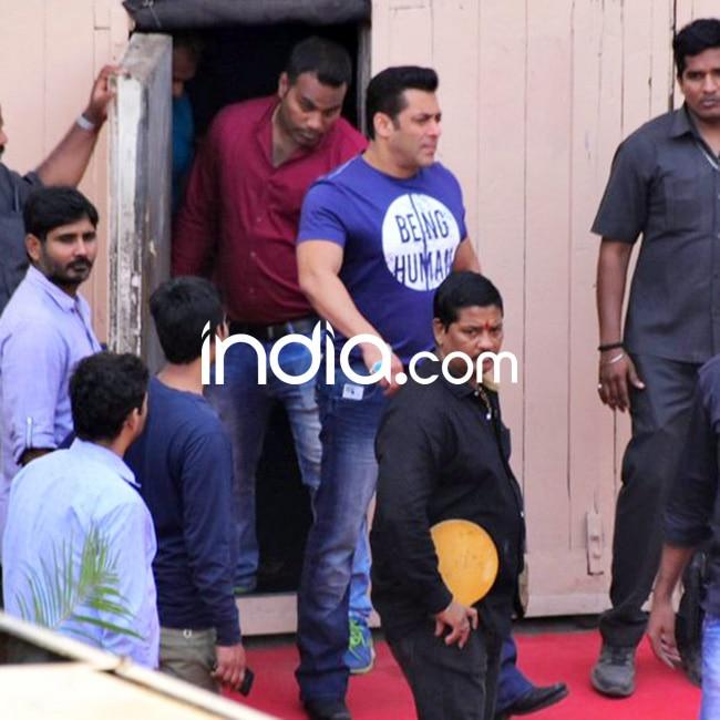 Salman Khan exiting the sets of Yamla Pagla Deewana 3