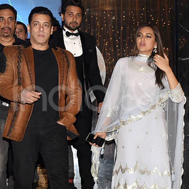 Salman Khan Sonakshi Sinha get clicked