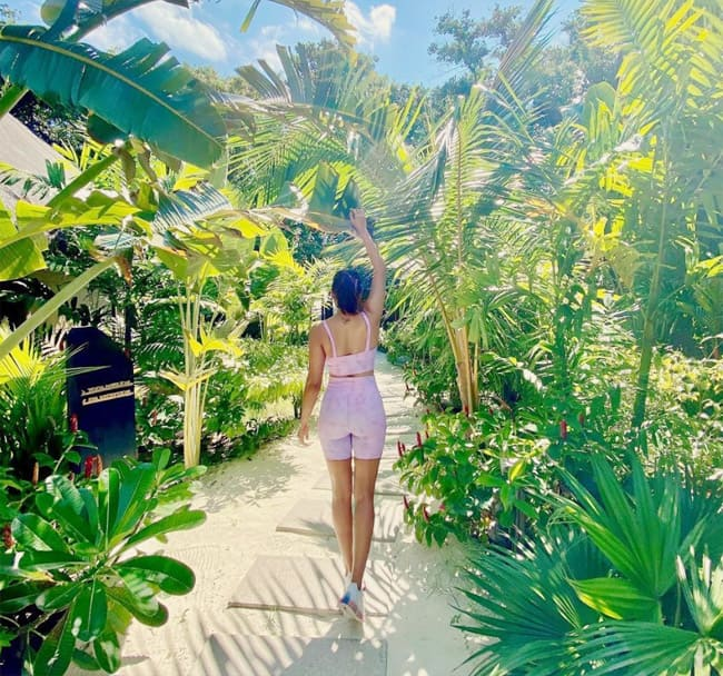 Samantha takes a stroll at the resort she is staying in Maldives