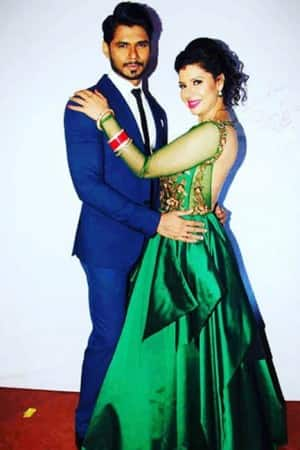 Sambhavna Seth holds wedding reception for friends from industry in Mumbai, check out pics