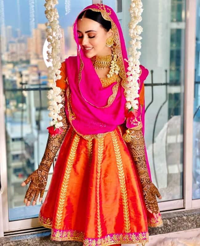 Sana Khan and Anas Syed s Mehendi Pictures out