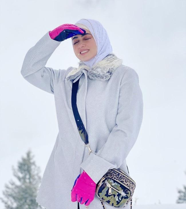 Sana Khan looks pretty while honeymooning in Kashmir