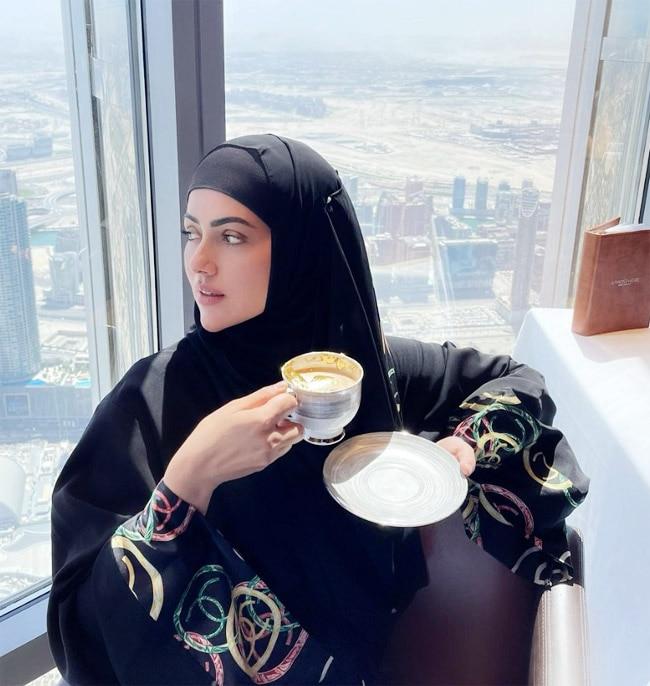 Sana Khan tastes 24k gold plated coffee at Burj Khalifa