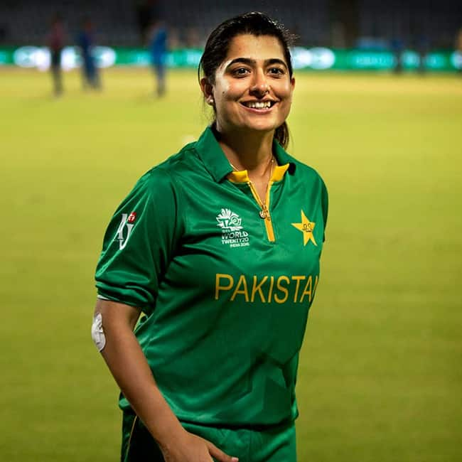 Pakistani cricket girl Sana Mir