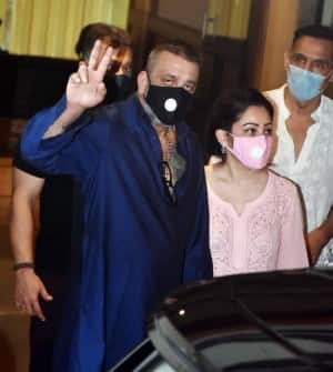 Sanjay Dutt Health Update: Actor to Complete Preliminary Treatment in Mumbai, No Plans of Travel