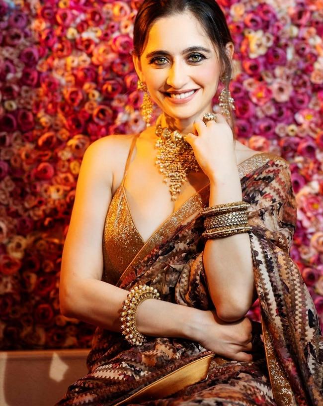 Sanjeeda Shaikh Goes Bold in Golden Backless And Deep Neckline Blouse