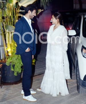 Sara Ali Khan And Kartik Aaryan Look Inseparable as They Blush And Pose For New Pictures