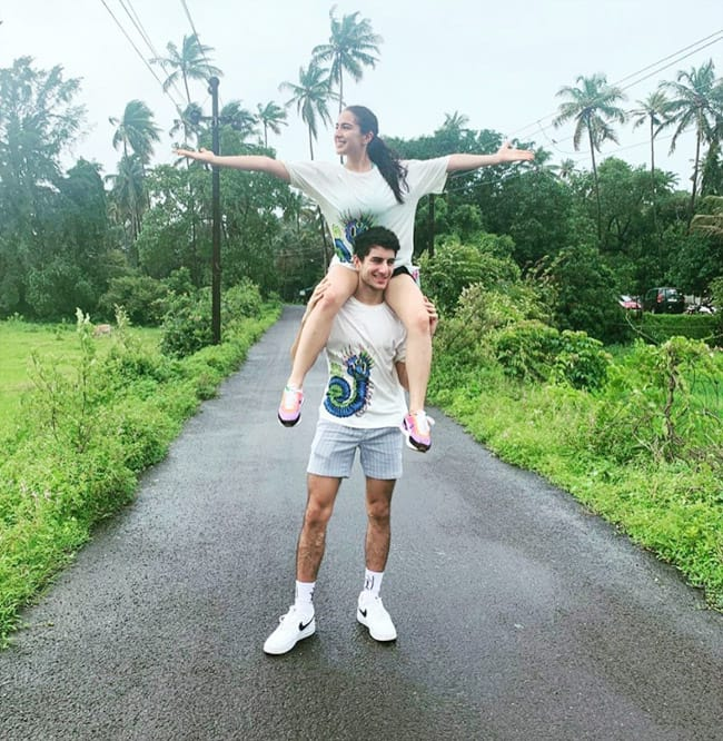 Sara Ali Khan goes out with his brother