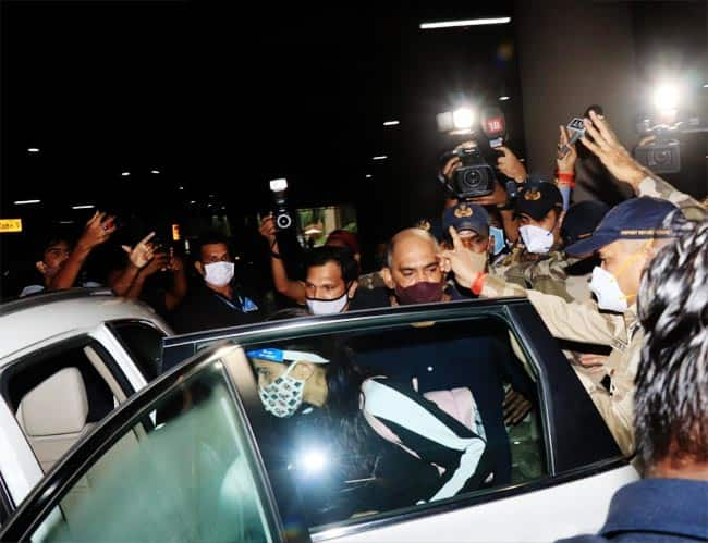 Sara Ali Khan spotted at Mumbai Airport after receiving the summons from the NCB