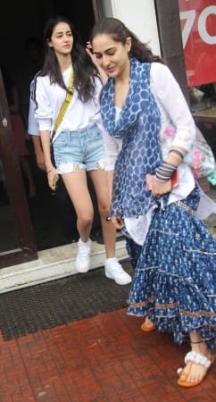 Sara Ali Khan Spends Quality Time With BFF Ananya Pandey