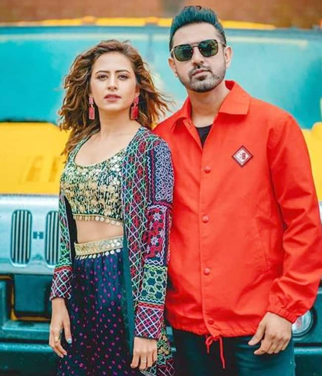 Sargun Mehta Swags it up as She Strikes a Pose With Gippy Grewal During Chandigarh Amritsar Chandigarh Promotions