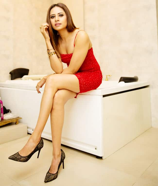 Sargun Mehta's Latest Sultry Pictures go Viral