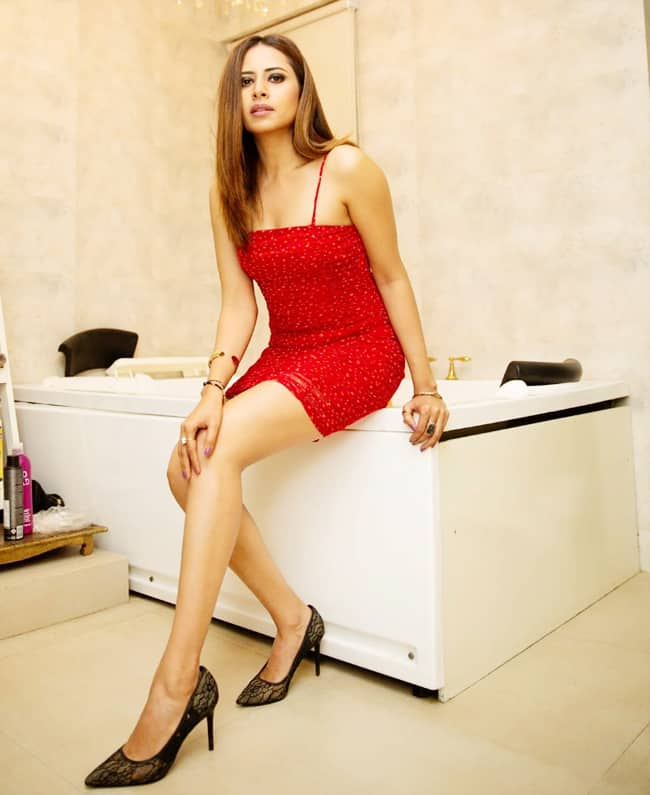 Sargun Mehta's Sizzling Hot And Sexy Look in Red Dress