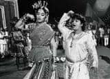Rare And Unseen Pictures of Saroj Khan With Madhuri Dixit
