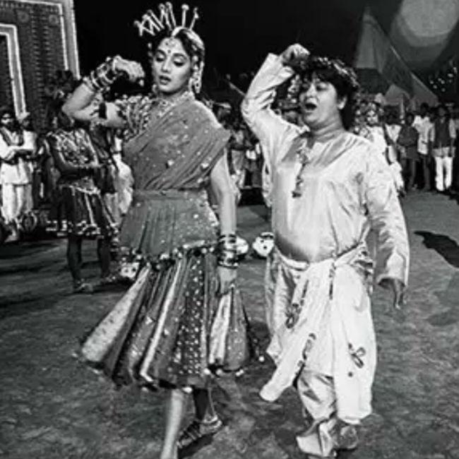 Saroj Khan s rare pictures with Madhuri Dixit