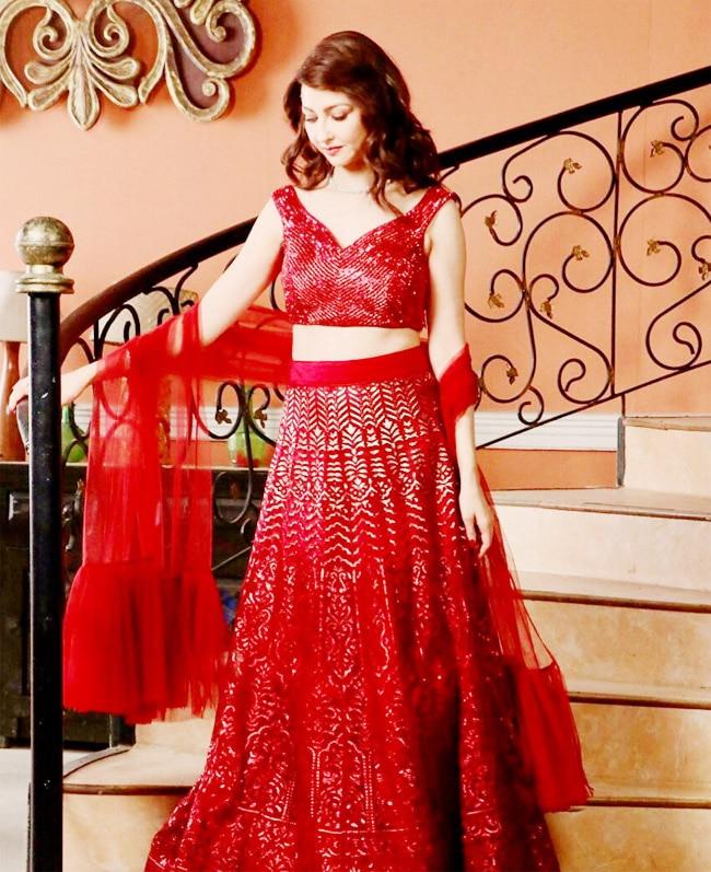 Saumya tandon looks red hot