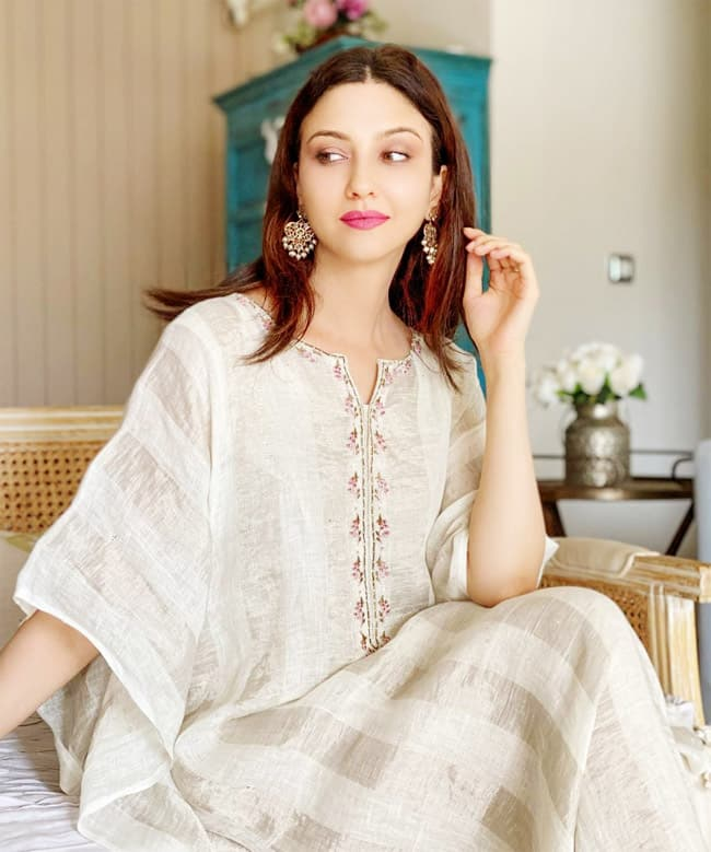 Saumya Tandon Stuns Fans With Her Gorgeous Look