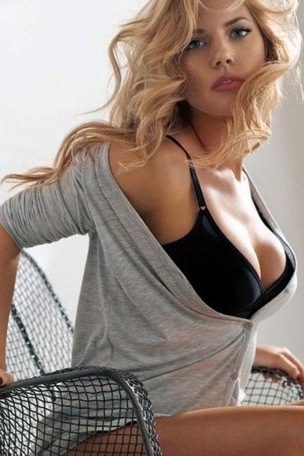 scarlett johansson sexy body