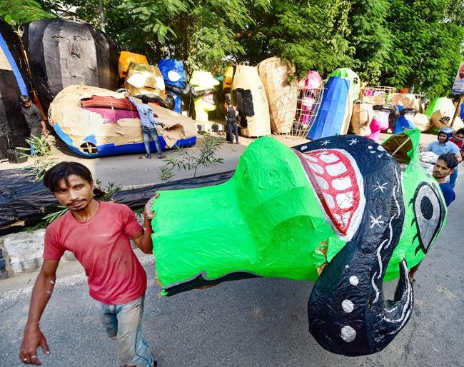 Sellers of Ravan effigies are located all over Delhi