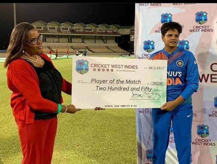 Shafali Verma Photo   Verma with the Player of the Match Aaard in West Indies